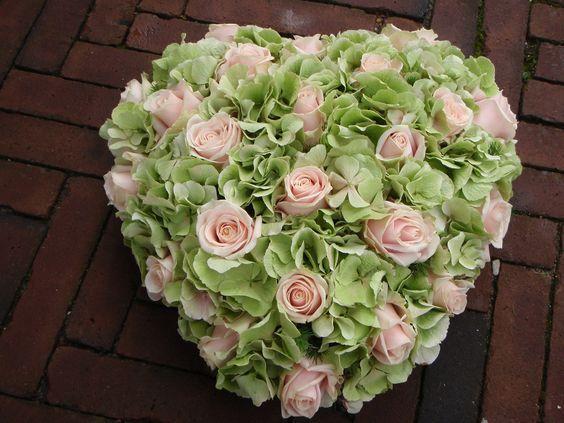 Rouwhart - roos - hortensia - Rouwwerkspecialist Nederland #friedhofsblumen