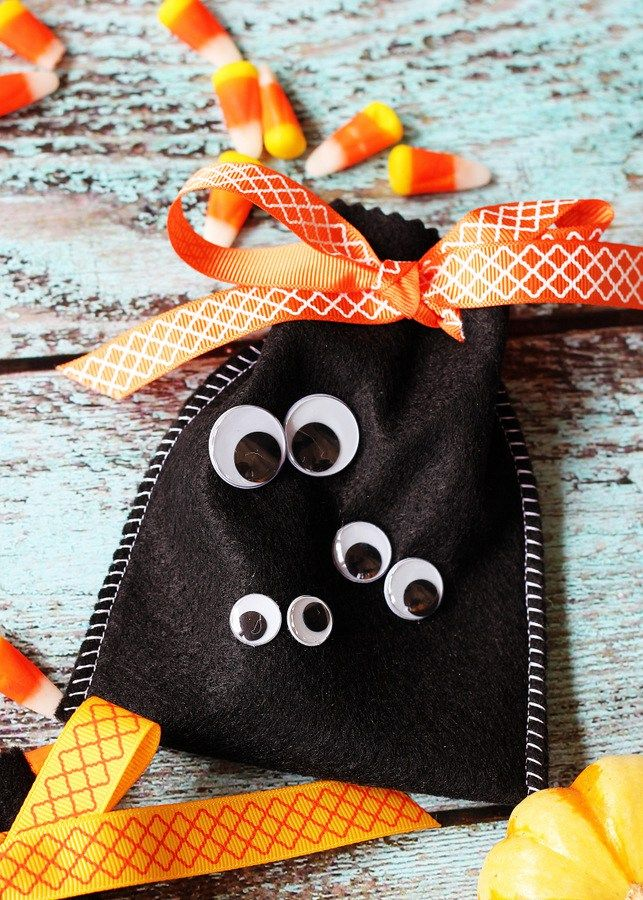 Googly Eye Halloween Treat Bags Googly eyes - halloween treat bag ideas