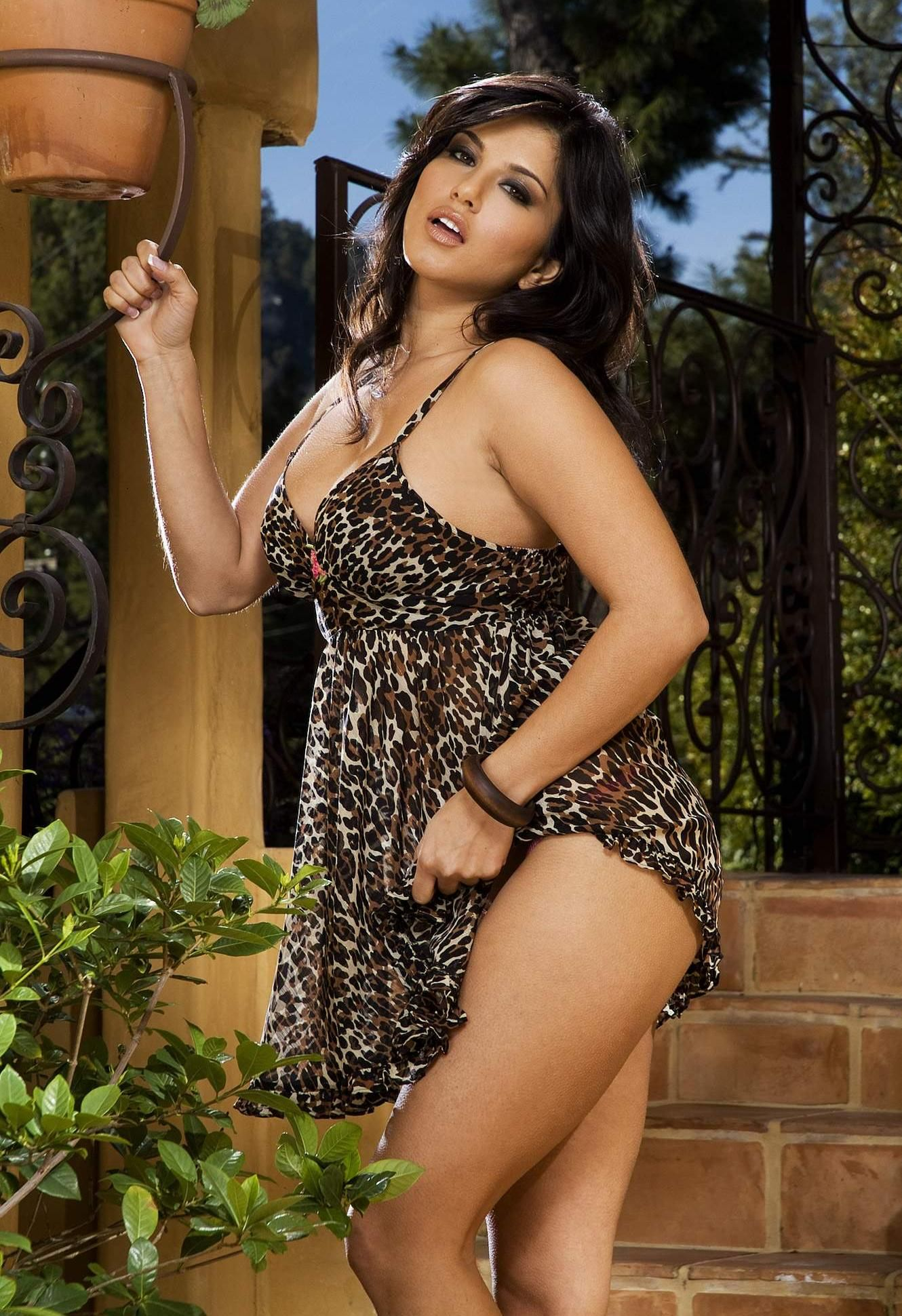 Sunny leone sex with men-3728