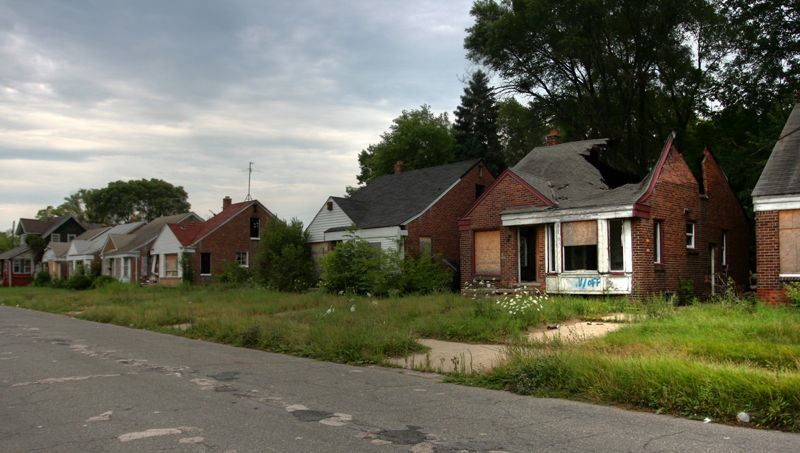 Detroit decaying home