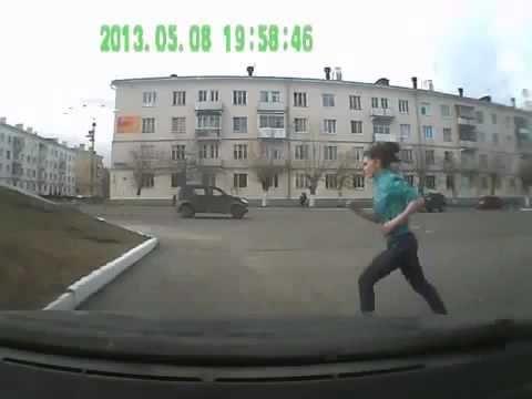 Мотоциклист на огромной скорости врезался в джип - http://videonotes.ru/prikoly-ne-pej/motociklist-na-ogromnoj-skorosti-vrezalsya-v-dzhip.html