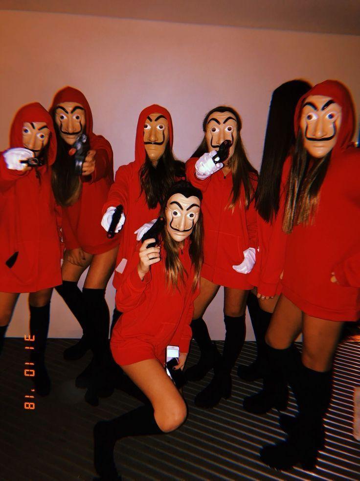 # Moneyhaste # BFFs # Besties # Halloween # Disfraces # Kostüme # Red # Tumblr # Fotografie - Christmascocktails #2019halloweencostumes