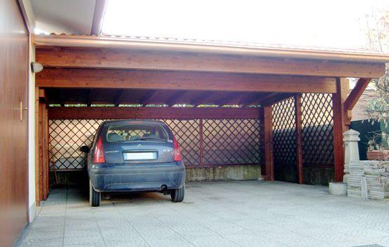 Carport modello plus sbalzo dimensioni cm 500 x 700 for Due idee di garage per auto