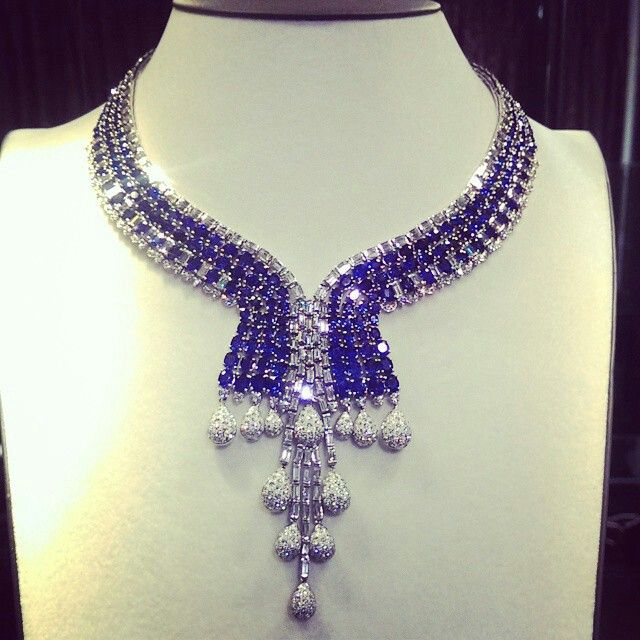 #sapphire #necklace #blue #deepblue #diamonds #gems #jewellery #handmade #handcrafted #luxury #luxurious #richgems #Yangon #Myanmar #masterpiece #beauty #precious #classic #sapphirenecklace #jewel