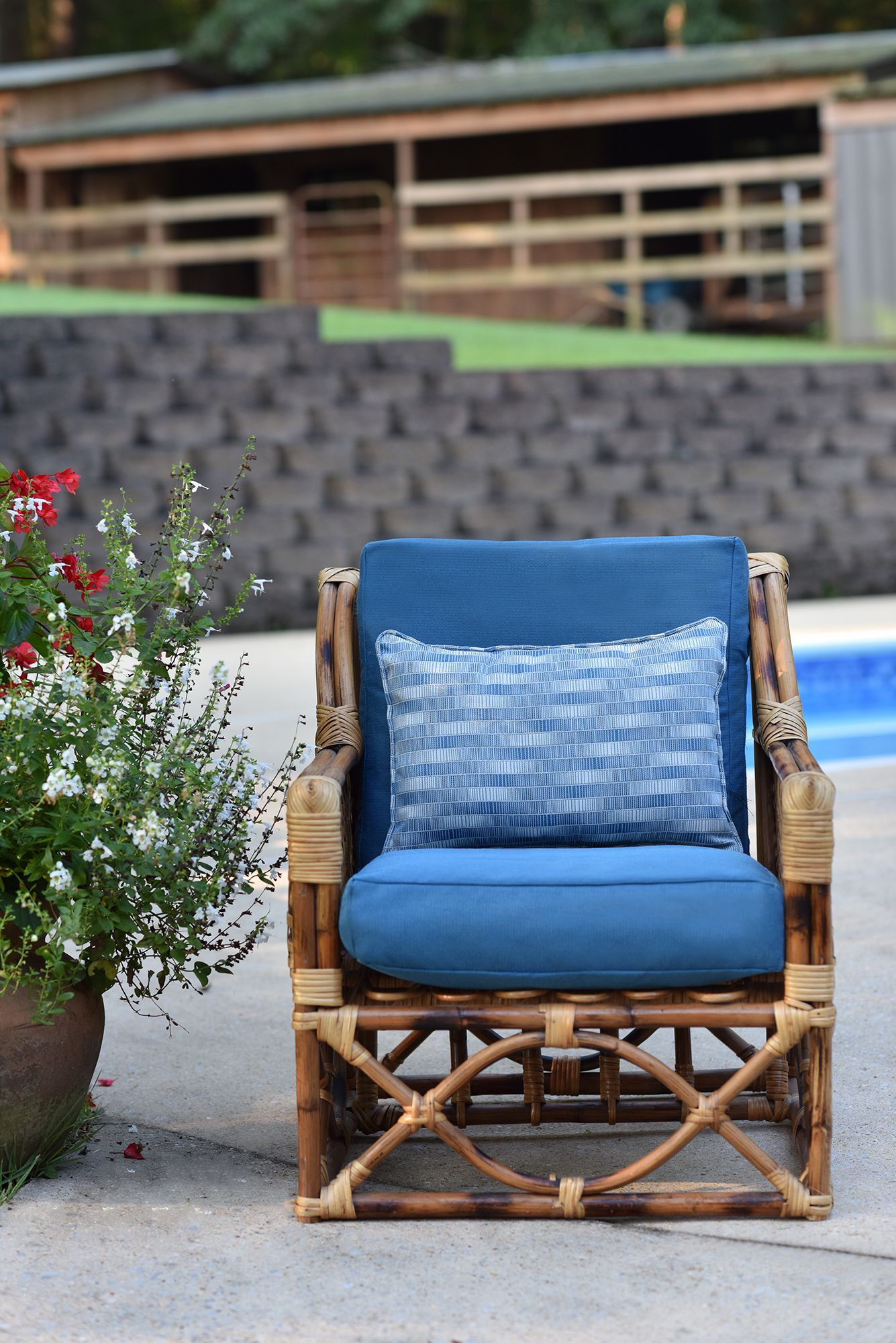 Geobella Cushion Pillow Fabric In 2020 Outdoor Cushions And Pillows Outdoor Upholstery Fabric Upholstery Fabric
