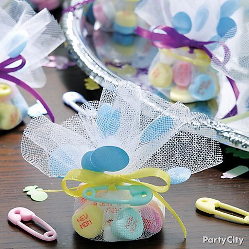 fill circles of tulle with the candy of your choice, then tie them, Baby shower invitation