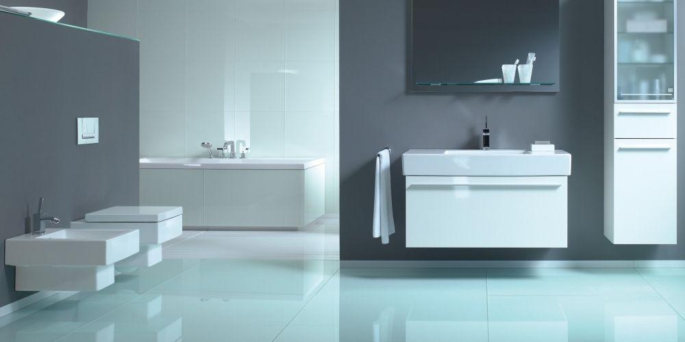 Minimalistiskt badrum med golv av glasklinker från Italien Pronto Kakel®