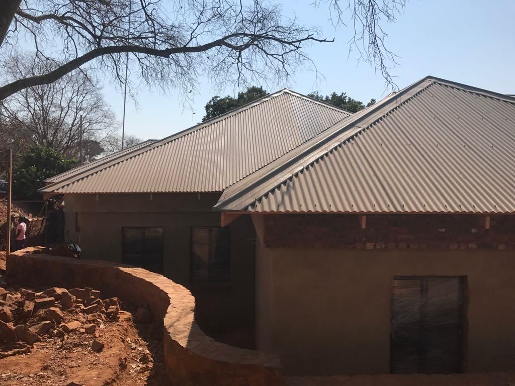 Roof Design Roof Trusses Tiles Sheeting Installations Complete Roofing Services Supplied By Technistrut Roof Truss Manufacturers Pretoria Johannesburg Roof Trusses Corrugated Roofing Roofing