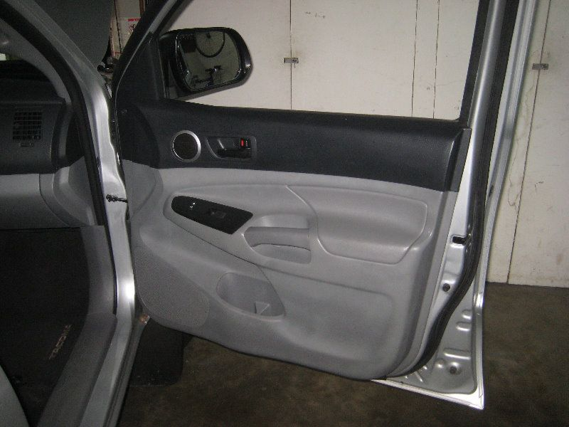 2005 2015 Toyota Tacoma Interior Door Panel Removal