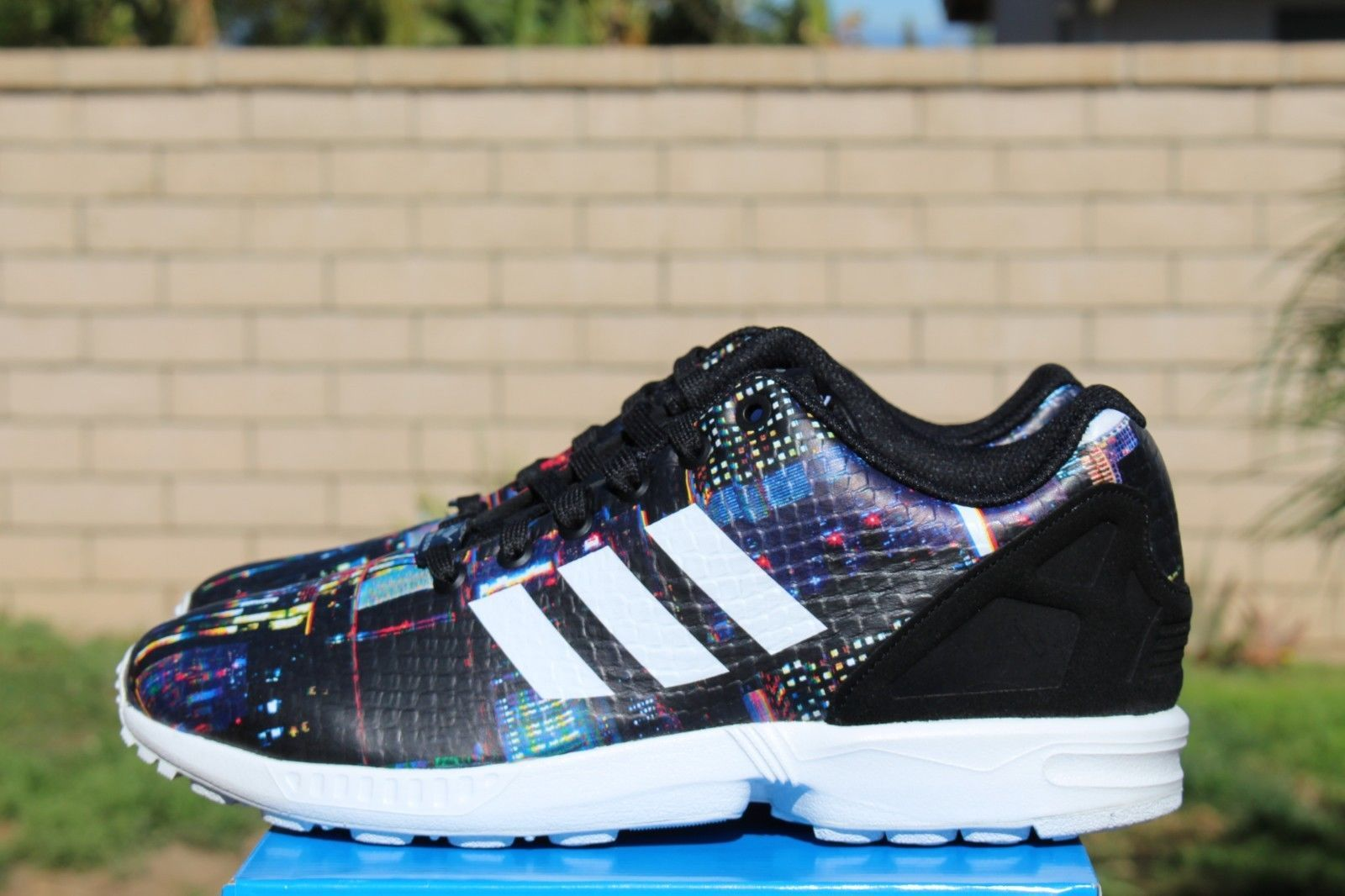 ADIDAS ZX FLUX BLACK WHITE TOKYO PACK CITY LIGHTS B25834 19900