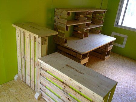 mypunkyfurniture bureau et comptoir d 39 accueil en palette id e maison pinterest comptoir. Black Bedroom Furniture Sets. Home Design Ideas