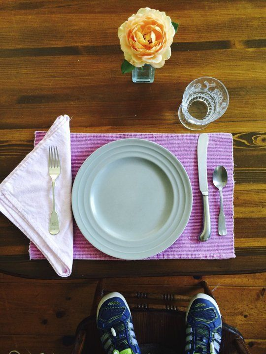 How To Set The Table Properly | Apartment therapy, Flats and Dining