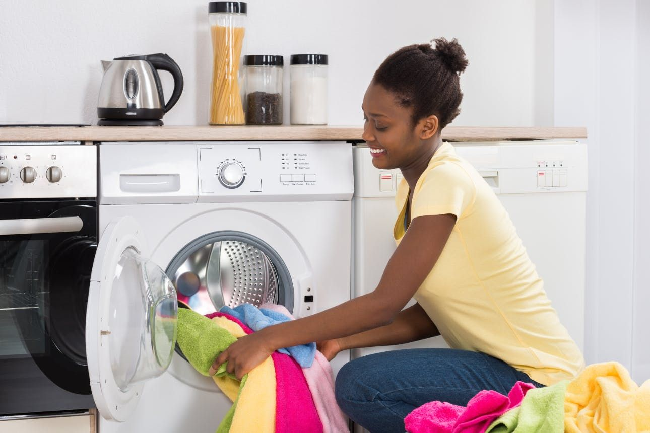 How To Do Laundry Without Ruining All Of Your Clothes Pesquisa