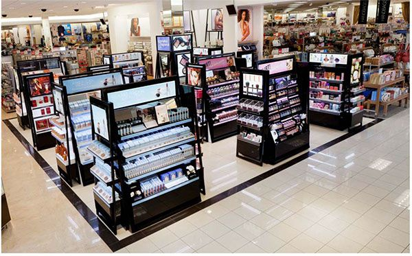Kohl S Department Stores Beauty Re Invent On Behance Store Design Interior Cosmetic Store Store Display Design