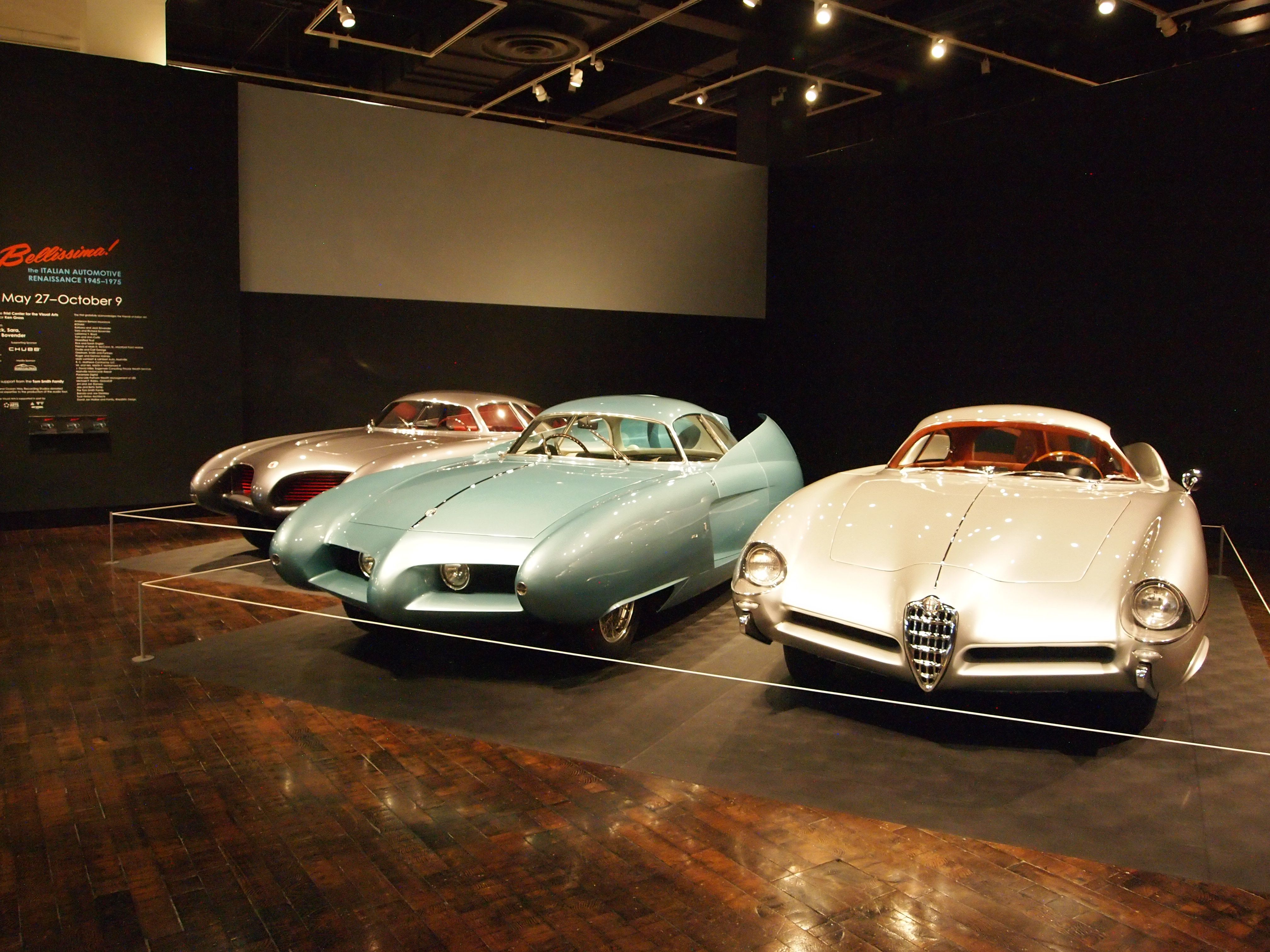 alfa romeo bat 5-7-9 concept cars are on display at an italian car