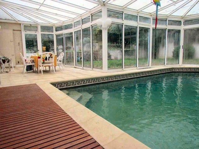 Très belle maison avec piscine intérieure et vue panoramique sur - location villa piscine couverte chauffee