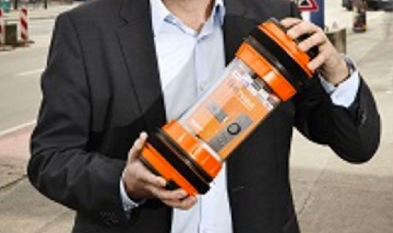 Amazon Lieferung in 1 Stunde: neuer Prime-Zustellservice in Berlin ab Sommer 2016 - https://apfeleimer.de/2016/04/amazon-neuer-prime-zustellservice-fuer-berlin-ab-sommer-2016 - Amazon verkürzt weiter die Lieferzeiten für Pakete und Bestellungen für Prime Mitglieder. Während Amazon Same-Day Delivery, also die Lieferung am Tag der Bestellung über den Amazon Onlineshop, in bisher 14 deutschen Städten, Metropolen und Ballungszentren bereits verfügbar ist, legt der Online..