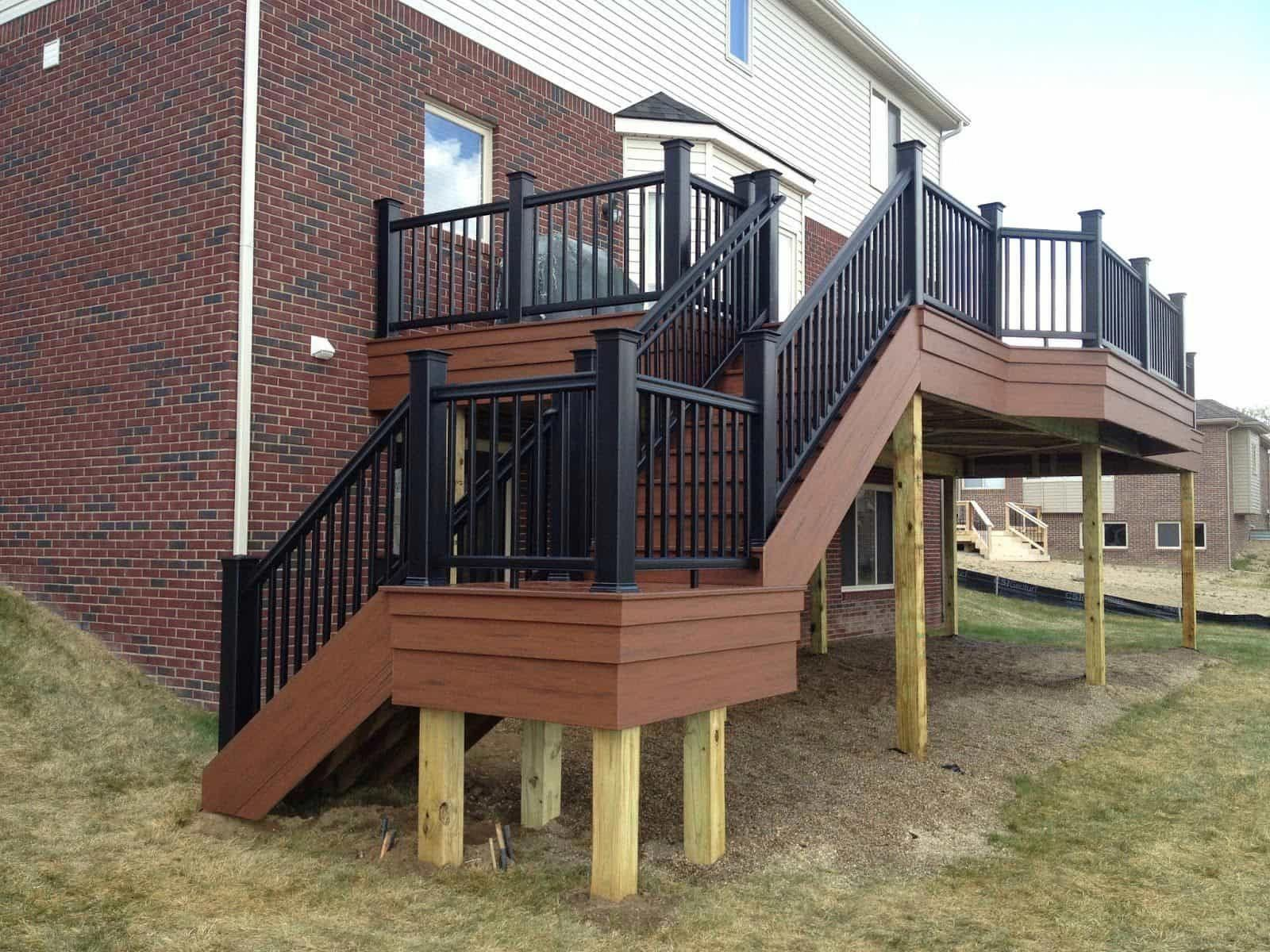 Best High Deck With Staircase Featured Black Balusters Deck 400 x 300