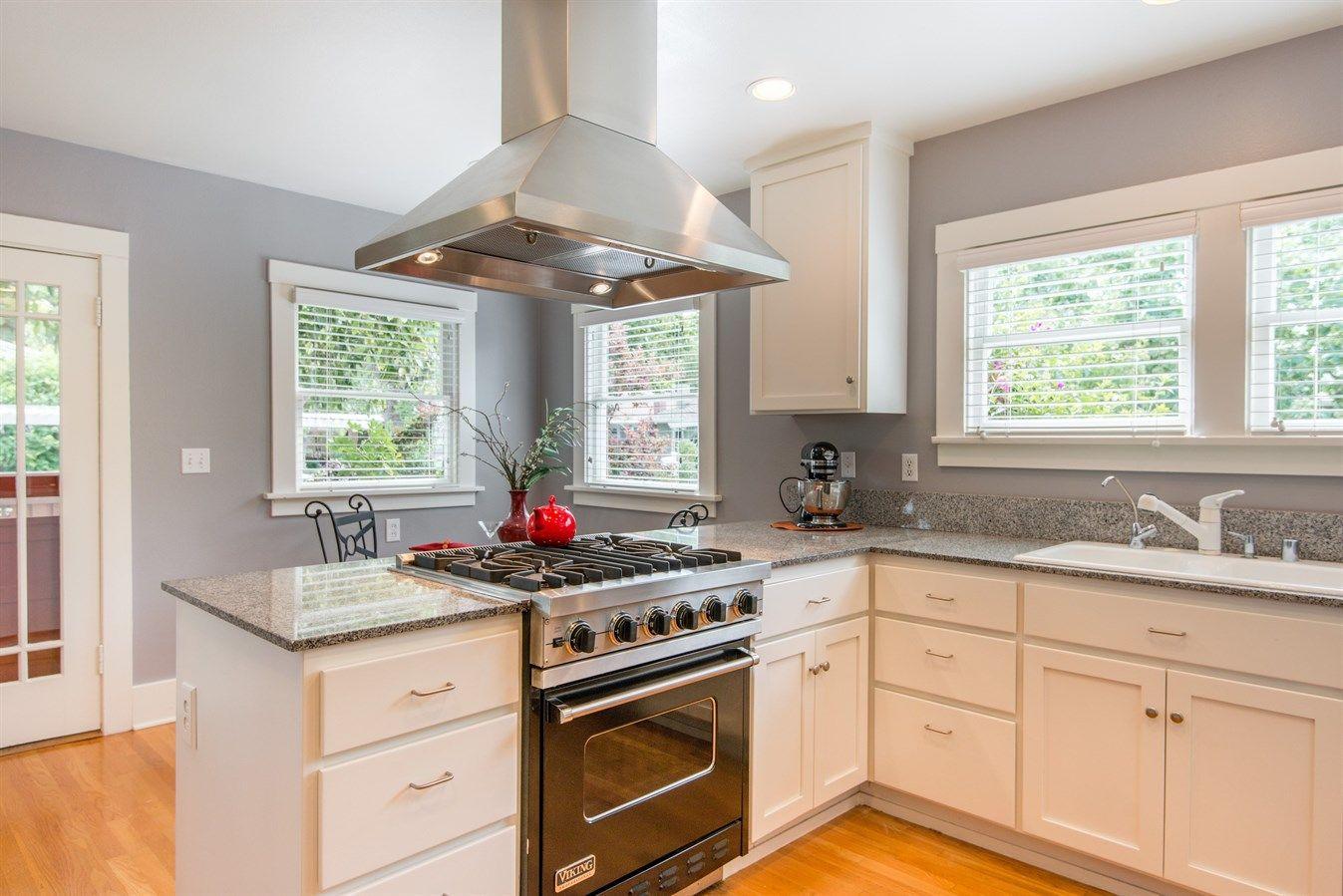I love this! | Kitchen decor, Kitchen cabinets, Modern ...