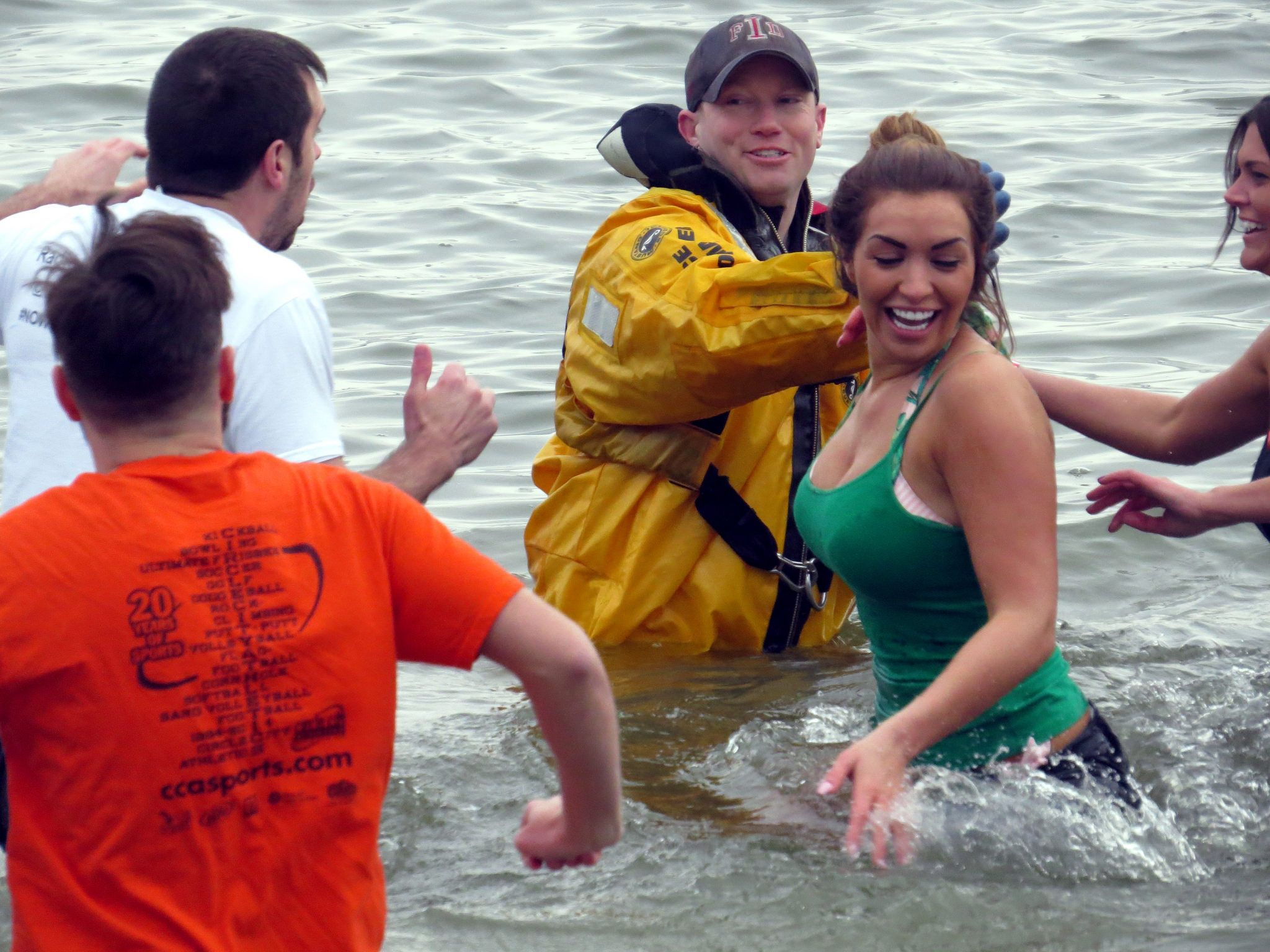 https://flic.kr/p/EmAbdH   #rachelradionow100.9 FREEZIN FOR A REASON.   The personalities  from RADIO NOW 100.9 doing the Polar Plunge at Eagle Creek Park to raise money for The Special Olympics.
