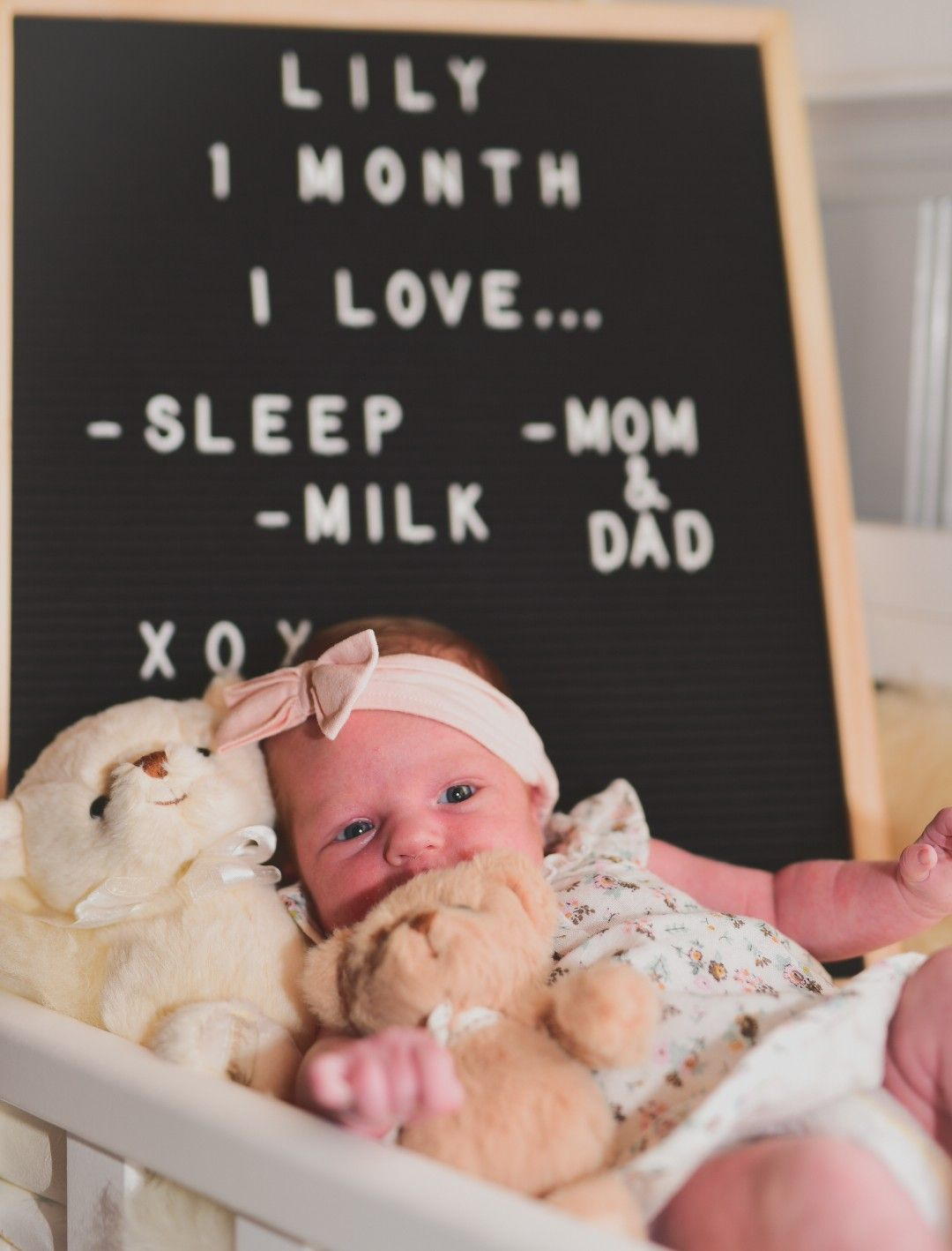 Bebis Baby Manadsbild 1manad 1month Love Bebisbilder Babypictures Baby Milestone Photos Baby Month By Month Monthly Baby Pictures