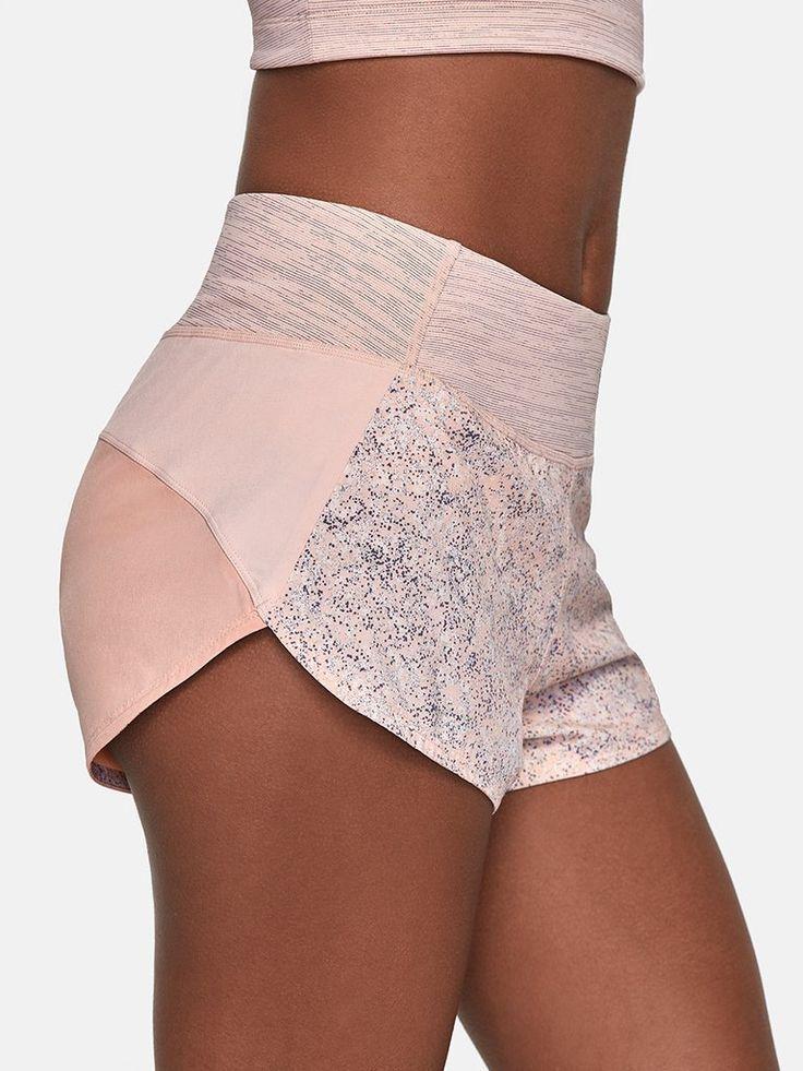 Short ultra léger avec ceinture de compression et doublure intégrée  Conçu      #ceinture #compression #doublure #integree #leger #short #ultra