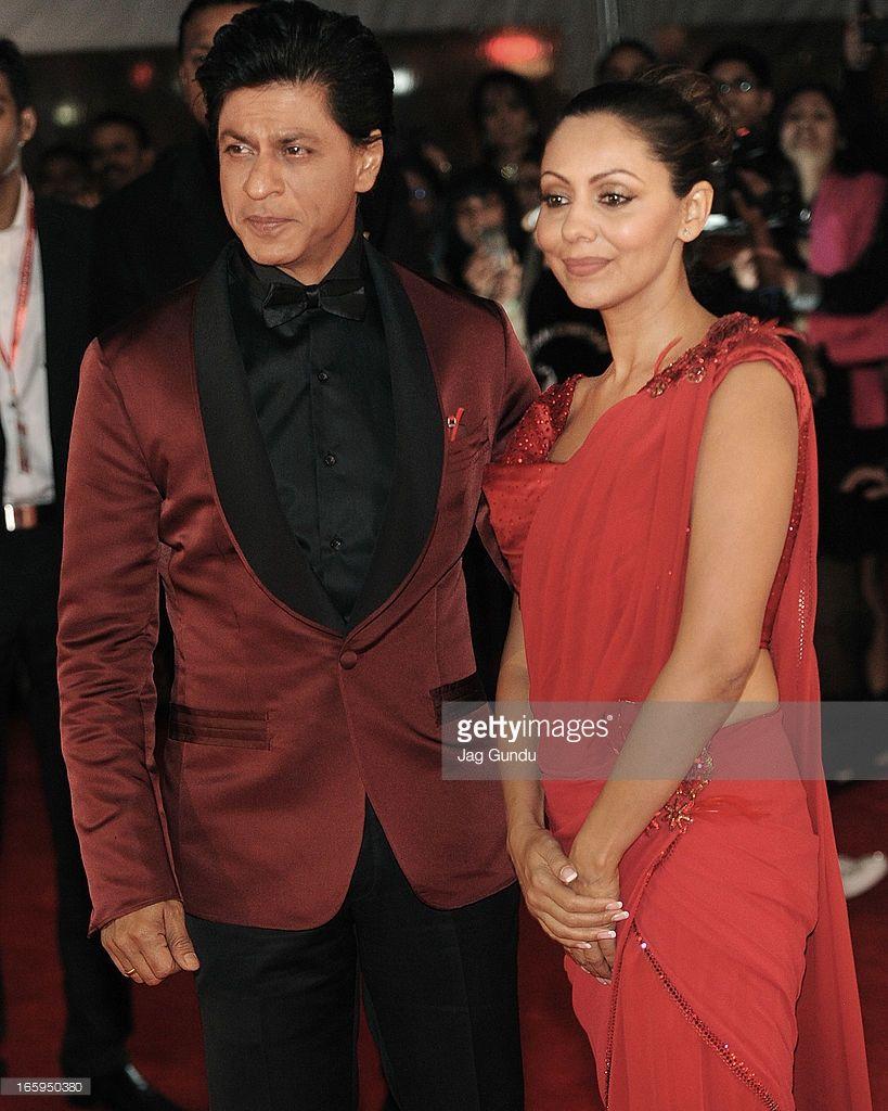 Shahrukh Khan and his Wife Gauri Khan walk the red carpet