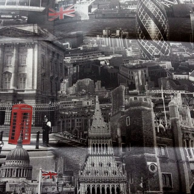 London themed wallpaper