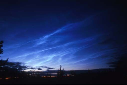 Noctilucent clouds information and pictures from The Old Farmer's Almanac.