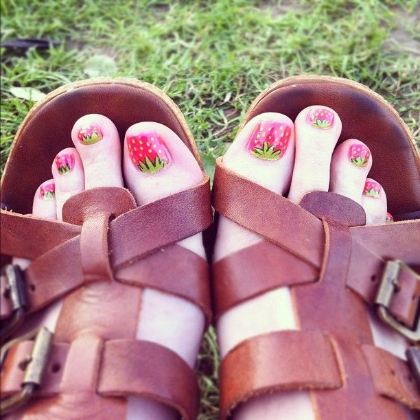 Strawberry Toes Fashion Pinterest