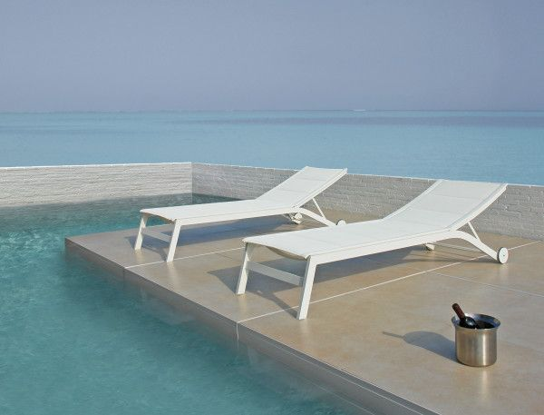 Relaxation Station Pool Lounge: Enchanting White Outdoor Sunbathing Chairs Lounge Chairs