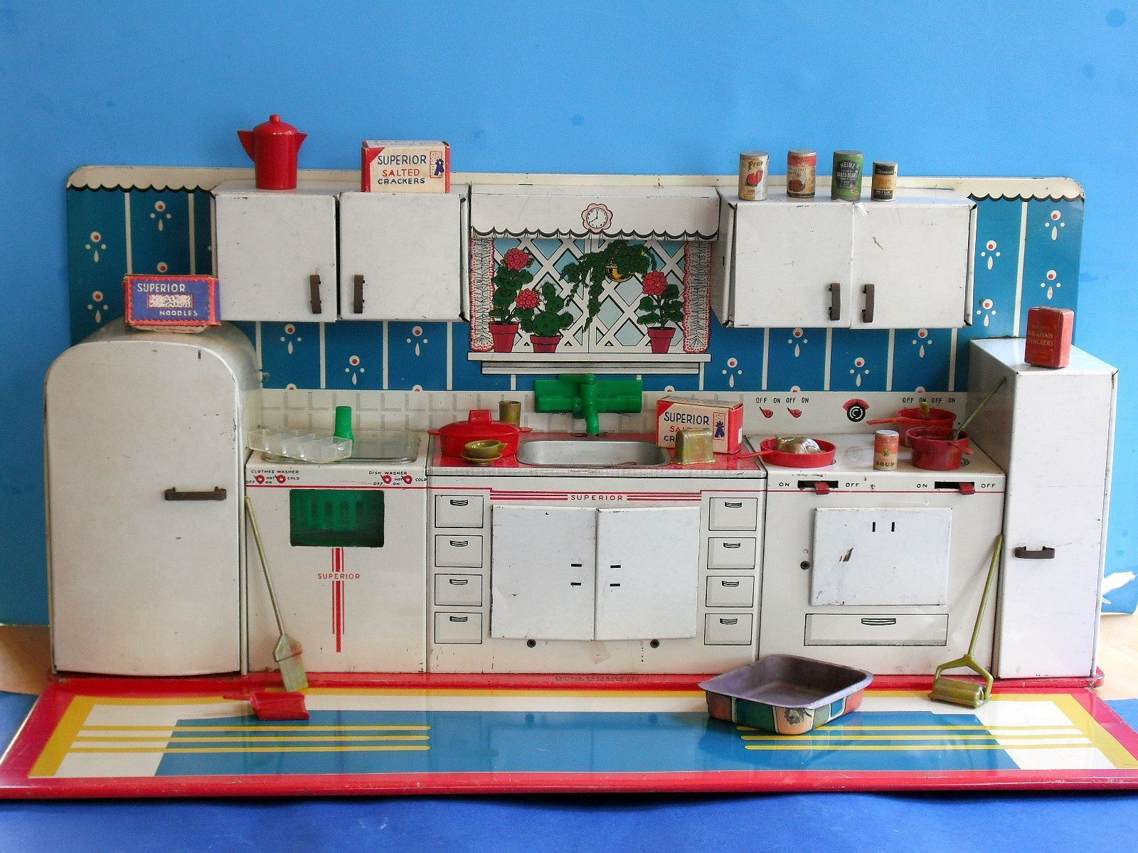 1950s Tin Litho Toy SUPERIOR KITCHEN + ACCESSORIES food