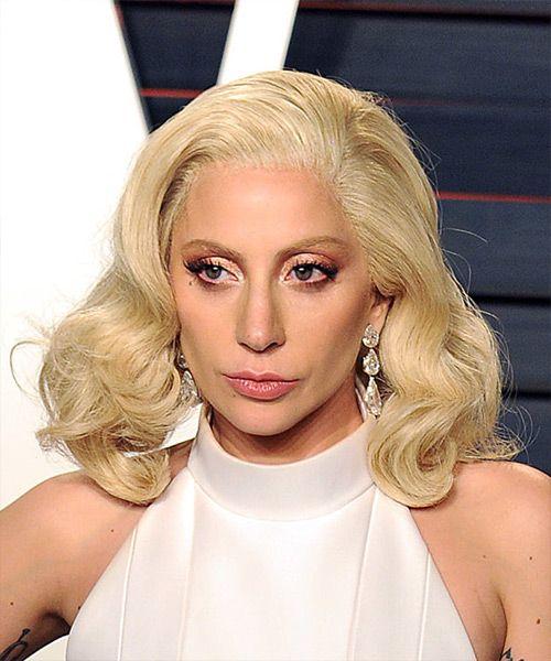 Lady Gaga Medium Wavy Light Platinum Blonde Bob Haircut Platinum Blonde Hair Bob Hairstyles Blonde Hair Color