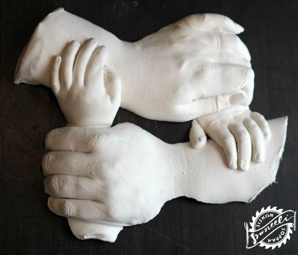 Tee itse tarkka valutyö perheenjäsenten käsistä. - Siskonpaneelisoppaa
