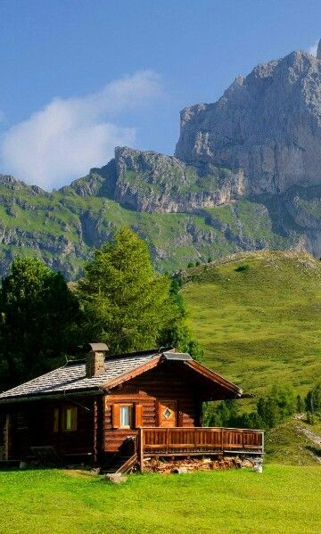 Interesting Houses And Their Occupants In The Mountains In 2020