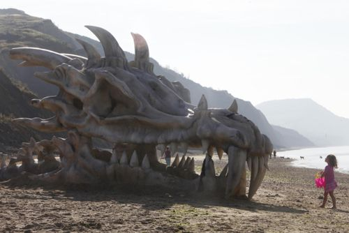 Massive dragon skull on UK beach actually a 'Game of Thrones' promotion |