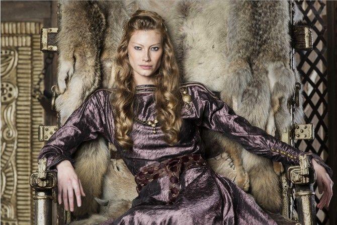 vikings-season-4-alyssa-sutherland