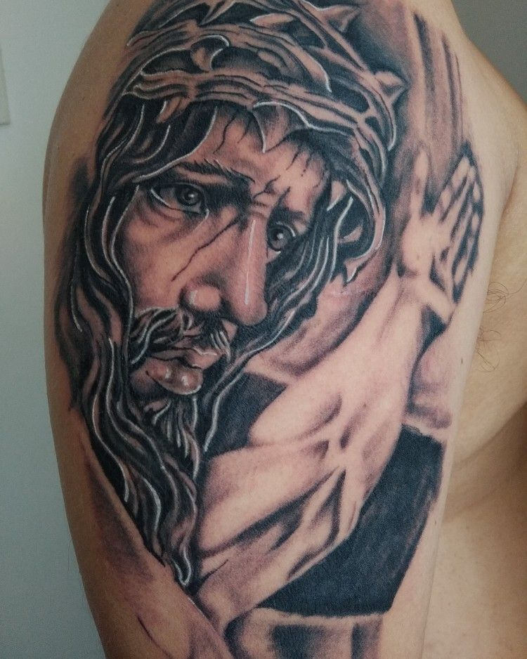#monstruoart #tatuadores #tattooartist #sullen #sullentattoo #tattooink #inked #inkedboy #inktattoo #Jesucristotattoo #Jesustattoo #tatuadoresdevenezuela #realistictattoo #firetattoo #freshtattoo #dermalizepro #dynamicink #electrickink #tattoos #tattoowork #tattooart #sullenart #lineworktattoo #shadowtattoo