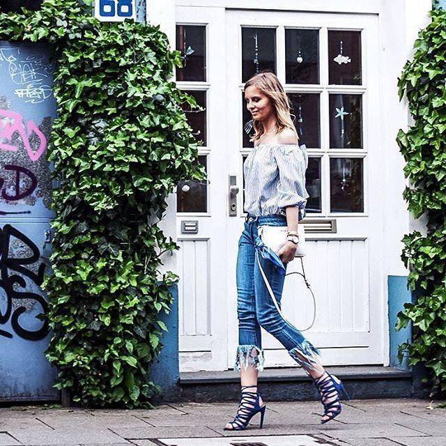 Find my new fancy fringe jeans on the blog today!! // Habt einen wunderbar sonnigen Dienstag, ihr Süßen! ☀️ #fringejeans #offshoulder