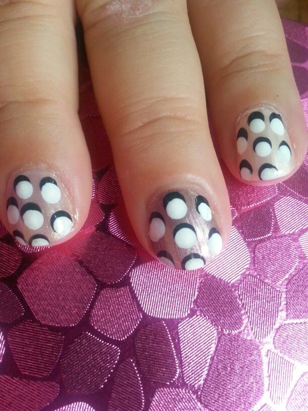 Day 11 in 31 Days of Summer Nail Art