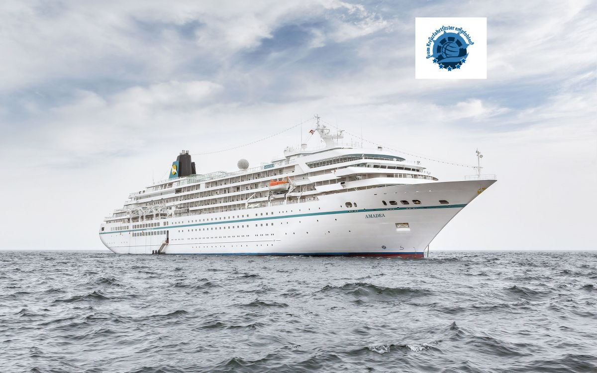Am Treffen Sich MS Amadea MS Artania MS Albatros Und - Amadea cruise ship itinerary
