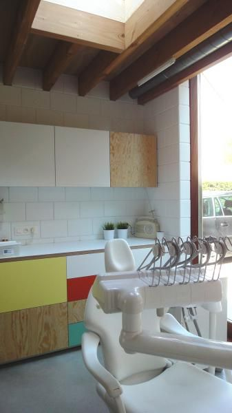 declerck daels architecten tandarts praktijk interieur multiplex plywood kitchen kitchens