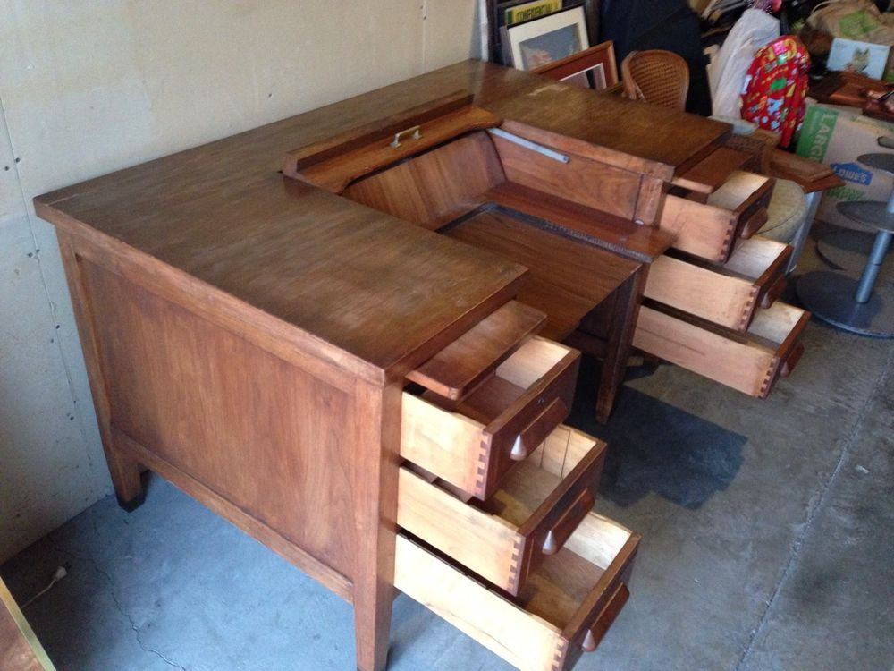Fantastic Antique 1950S Standard Furniture Typewriter Desk Herkimer Download Free Architecture Designs Embacsunscenecom
