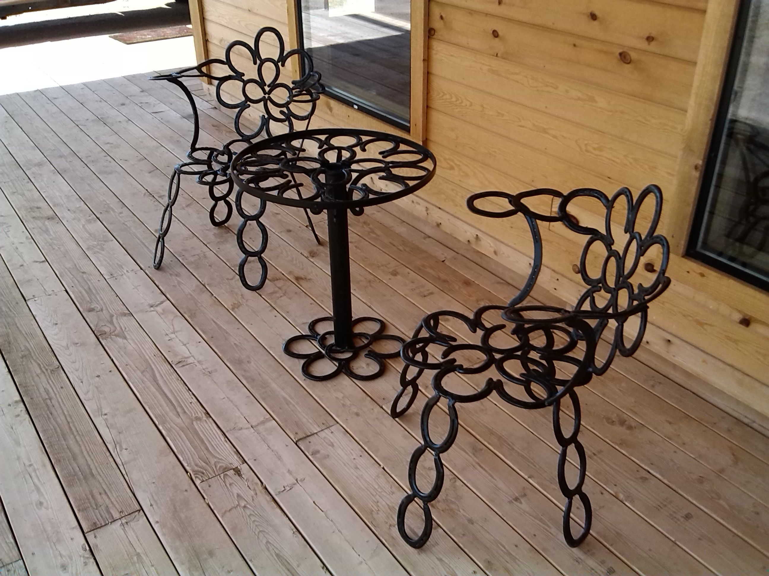 Guy kellogg western artist repurposed horse shoes and for Old horseshoe projects
