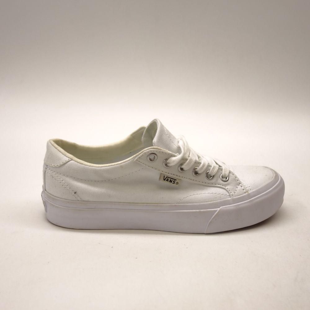 19171f655b New Vans Womens Court Bay True White Lace Up Canvas Sneaker Shoes Size 6   VANS  SkateboardingShoes