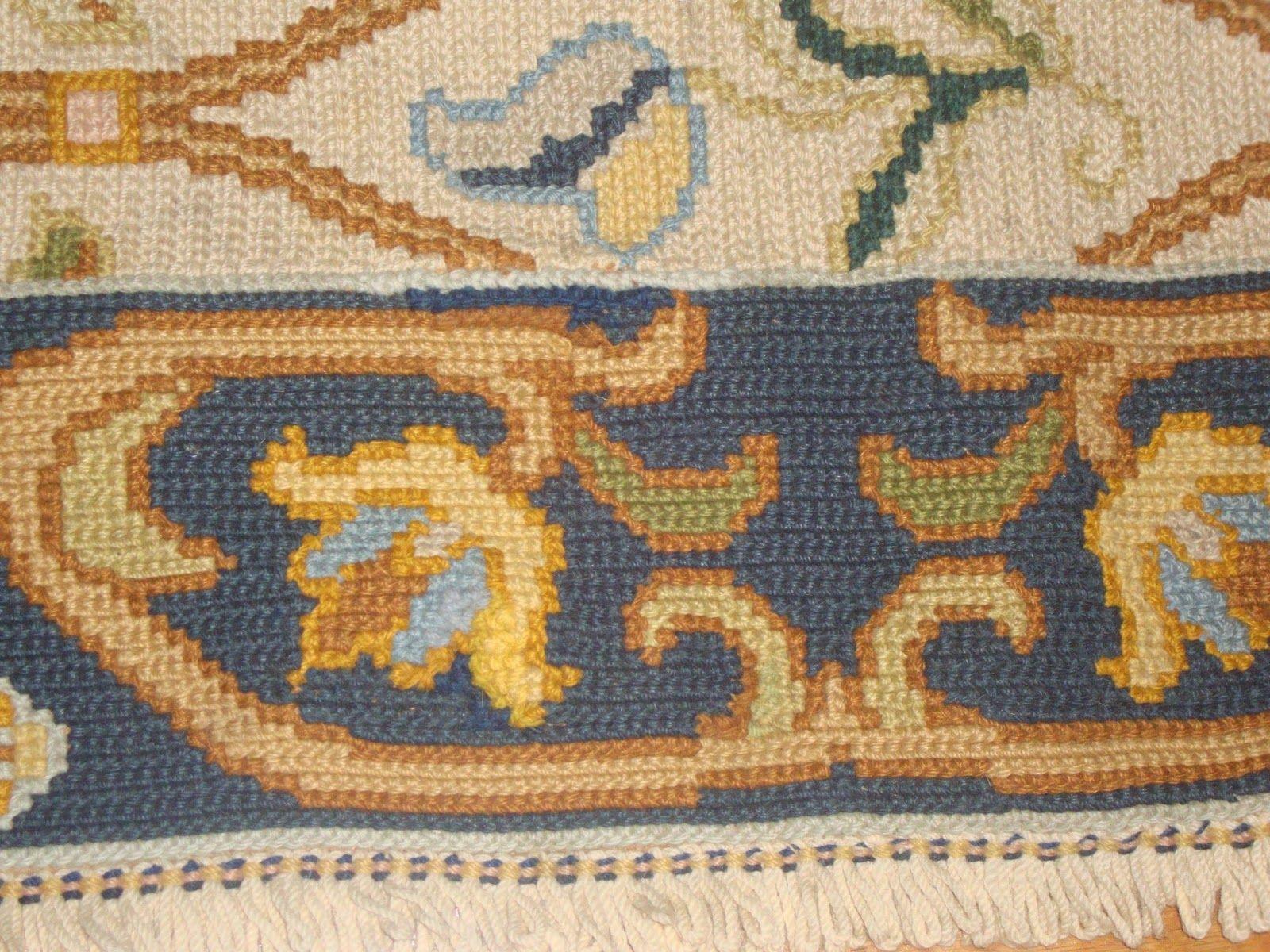 http://cantinhosdasonia.blogspot.pt/ Another portuguese rug recovered! Cantinho da Sónia
