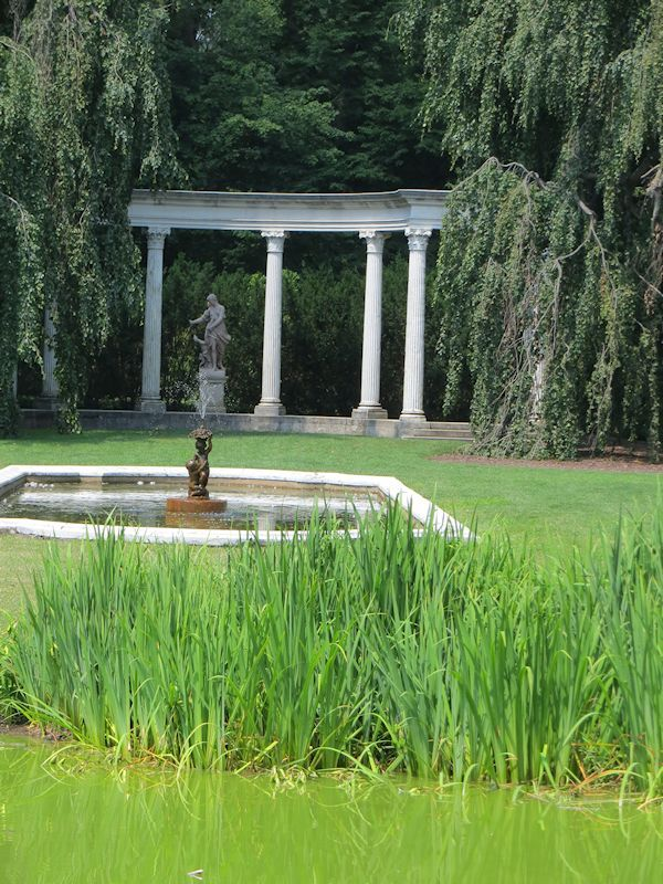 A GUIDE TO NORTHEASTERN GARDENING: Summertime at the Beautiful Old Westbury Gardens-Old Westbury, Long Island, NY