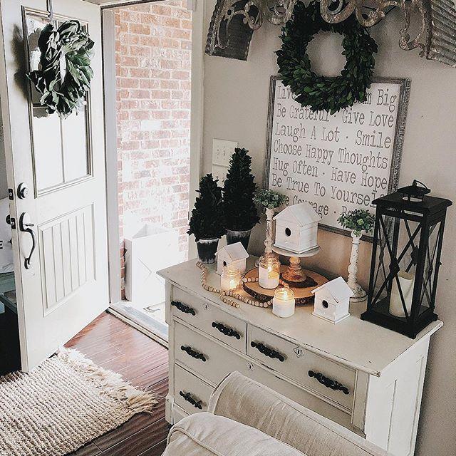 Spring decorating ideas | Modern farmhouse style entryway ...