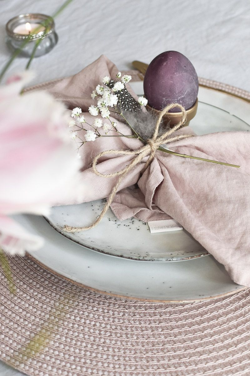 Photo of Easter table decorations and golden DIY egg cups – mikaswohnsinn