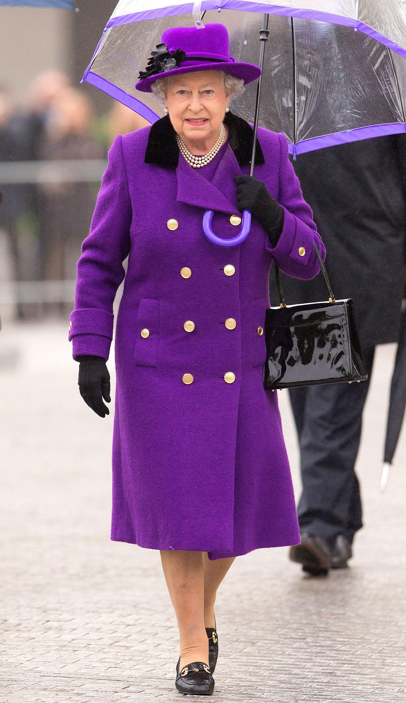 How Queen Elizabeth S Spectrum Of Rainbow Of Coat Dresses Acts Like A Mood Ring Queen Elizabeth Fab Clothing Coat Dress [ 2397 x 1386 Pixel ]